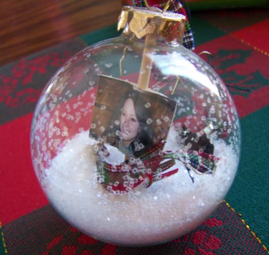 Christmas decoration send home.png