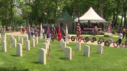 Memorial_Day_at_Wood_National_Cemetery.png